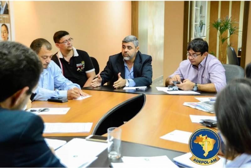 Projeto de escala dos plantões dos Delegados é discutido em reunião de Diretoria na Adepol/AM