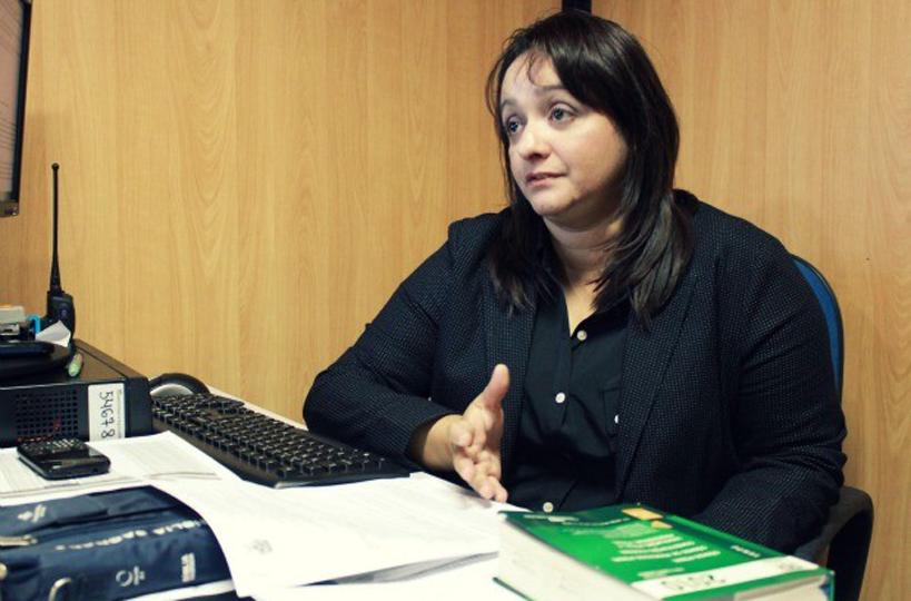 Delegada Sylvia Laureana prende casal com 58 trouxinhas de oxi em Iranduba