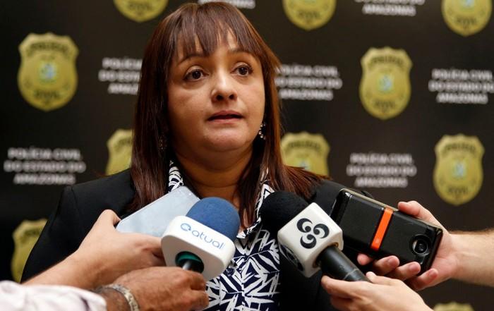 A Polícia Civil do Amazonas, por meio da equipe de investigação da 31ª Delegacia Interativa de Polícia (DIP), situada em Iranduba, sob o comando da delegada Sylvia Laureana, titular da unidade policial, cumpriu, na manhã de segunda-feira (15), mandado de prisão preventiva em nome do casal Bruno Gomes Santana, 29, e Fabiana Souza dos Santos, 19, envolvido em roubo ocorrido no dia 5 de abril deste ano, a dois idosos, de 80 e 72 anos, avós de Fabiana.